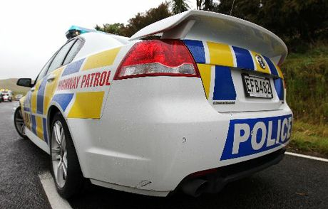 Police are looking for a man seen with a weapon in Tauranga.