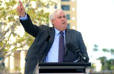 Queensland mining magnate Clive Palmer addresses students and staff at Bond University on the Gold Coast.