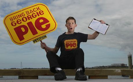 Georgie Pie enthusiast Grant Duffield brought his campaign to Tauranga this week.