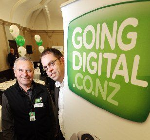 GET-GO: Going Digital community adviser Murray Sawyer (left) and general manager Greg Harford, during an awareness breakfast for Hastings' business community. PHOTO/PAUL TAYLOR HBT122718-02