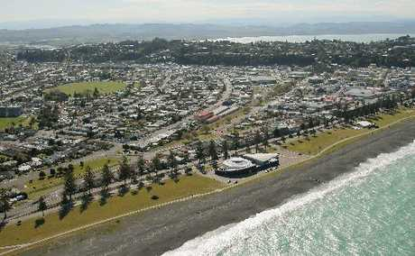 HBT123891-36.JPG The Napier city Council proposes to redeveloped the Marine Parade along Napier foreshore into children and family friendly themed entertainment areas.Pictured from left, Vacant land, Aquarium of NZ, vacant land, temporary ice skating rink.   Photograph Warren Buckland