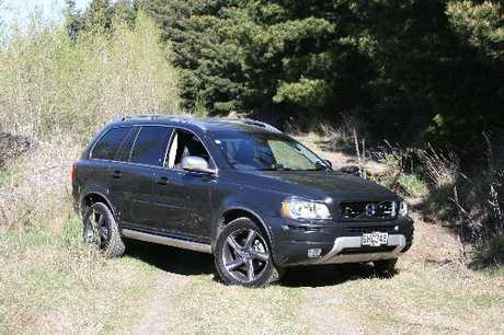 Volvo XC90: Capable off-road with ground clearance of 218mm.
