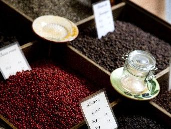 Peppercorns differ in texture and colour because of the different ways they are picked and dried. 