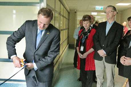 John Key opens a new theatre at Hawkes Bay Hospital.  Photographer: Warren Buckland