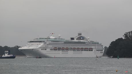 The Sun Princess enters the Port of Tauranga this morning.
