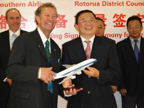 KIA ORA CHINA: Rotorua Deputy Mayor Trevor Maxwell (left) was in China to co-sign a memorandum of understanding with China Southern Airlines executive vice-president He Zong Kai.