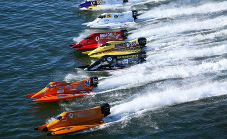 SPEED SPORT: If Sean Choat's plans materialise, we could see powerboats such as these competing in events at Wivenhoe Dam.