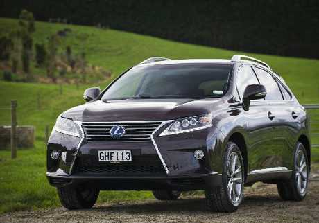 LEXUS RX450h: SUV which is easy on the environment.