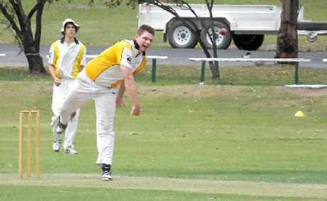 Harelquins skipper Tim Kross bowls.