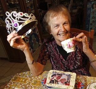 Beverly Long has 2500 royal momentos etc, and is having a High Tea to celebrate Prince Charles' arrival on Saturday.