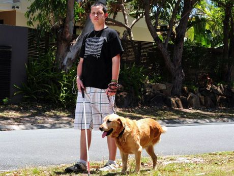 Jordan Carroll of Sunrise Beach is looking for a home for his 9 year old 3 legged labrador as he sets off to Brisbane for health reasons. Photo Geoff Potter / Noosa News.