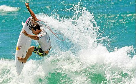 Surfing great &quot;Rabbit&quot; Bartholomew expects Julian Wilson to return to form at Hawaiis Triple Crown.