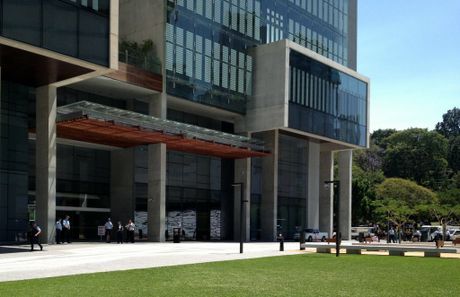 Police check out the Brisbane Supreme and District courts complex after a bomb scare on Friday morning. Photo: Rae Wilson