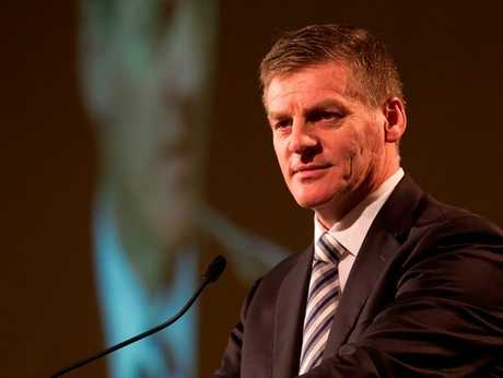 Finance minister Bill English arrives in Tauranga tomorrow to meet with kiwifruit growers and head students.