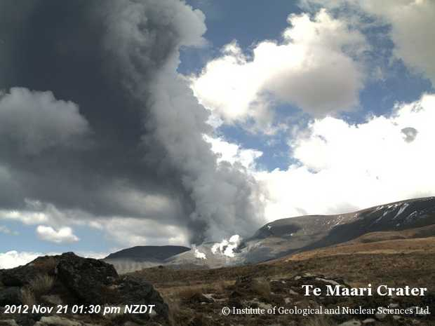 This GNS Science image shows the November 21 eruption at about 1:30pm. PICTURE: GNS SCIENCE