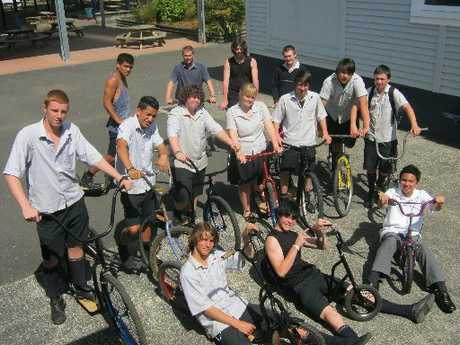 Level 1 Engineering students with their 'new' bikes.