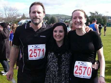 Danni Roberts (centre) was in Taupo in August to support marathon runners, Petra Glossop and Mark Vibert, in a fundraising effort to help her to get to Malawi in 2013.