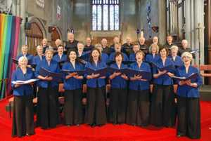 Take a break from your Christmas shopping to join the The Linden Singers in  programme of traditional Carols and with Guest Organist Douglas Mews. 