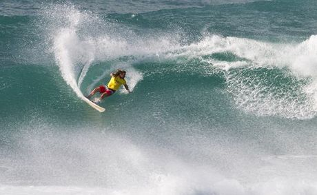 Valla Beach's Heath Joske delivered an inspired performance at the Vans World Cup of Surfing to qualify for the round of 96.