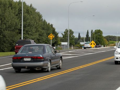Travellers along the Hawke's Bay Expresswayshould expect delays this weekend as two sport events will be staged in the area.