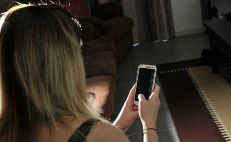 A community forum will be held on Friday to find a solution to cyber-bullying.