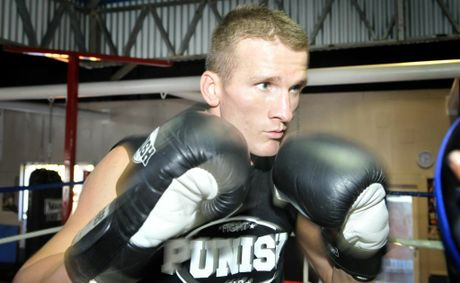 Les Sherrington has claimed the vacant WBO Asia Pacific middleweight title with a tko victory.