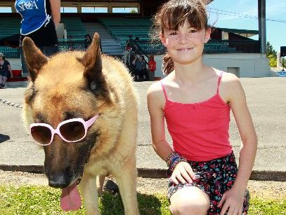 SHADY DAYS: Libby O'Hanlon from Hastings with her dog Jack. PHOTOS/GLENN TAYLOR HBT124546-14
