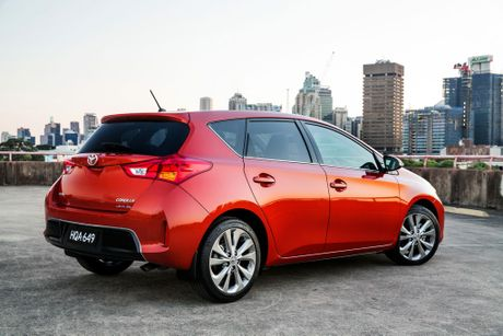 Toyota&#39;s Corolla was the number one seller in November, but Mazda3 maintains the overall lead. 