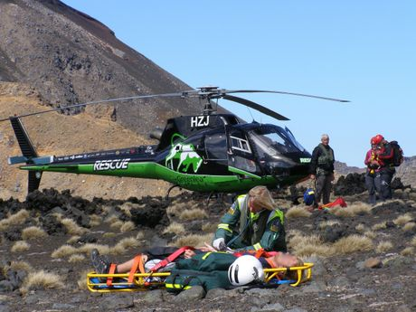 Man hurt in mountain fall