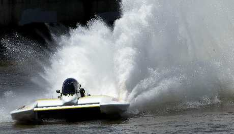 PURE POWER: Ken Lupton's Cheetah in action on the Whanganui River on Sunday. PHOTO/STUART MUNRO