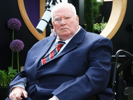 Tributes have flooded in for amateur astronomer Sir Patrick Moore.