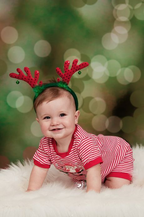 Toowoomba photographer captured Oliver Martin in the Christmas babies photo shoot. Baby Oliver was one of 32 babies who took part.