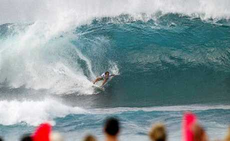 Julian Wilson placed equal 13th at the Billabong Pipe Masters in Oahu, Hawaii, yesterday when he was defeated by Kieren Perrow.