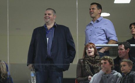Mining magnate Nathan Tinkler (left) and former Knights player Paul Harragon.