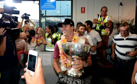 Joel Parkinson arrived at the Gold Coast airport to hundreds of fan