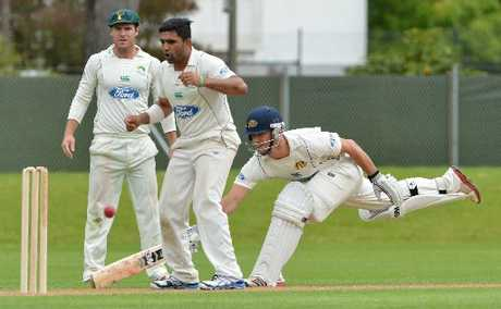 OH, SO CLOSE: Central Districts spinner Ajaz Patel and skipper Jamie How anticipate running out Otago's Ryan ten Doeschate but the batsman scored a ton in the first innings and an unbeaten 54 yesterday in the drawn Plunket Shield match at University Oval, Dunedin.PHOTO/OTAGO DAILY TIMES
