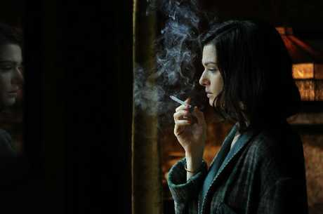 Rachel Weisz in movie Deep Blue Sea