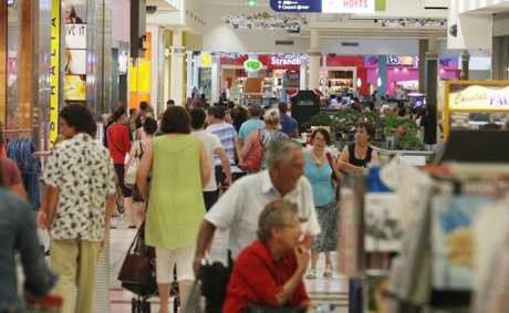 The last-minute Christmas shopping rush at Tweed City. Photo Blainey Woodham / Daily News