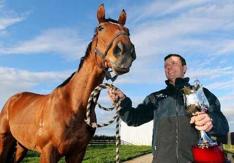 Trainer John Bary had just the right tonic for The Hombre to nail the runaway win in the $50,000 Hallmark Stud Newmarket Handicap at Ellerslie yesterday.
