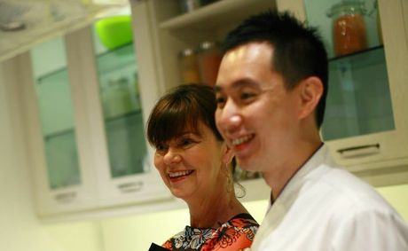 Ozganics founder Anni Brownjohn with chef Ryan at Malaysian cooking class. Photo: Contributed