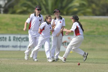 Young Lismore cricketers in interdistrict action. Juniors can improve their skills at a forthcoming tournament.