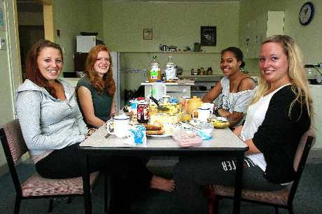 CHILLING OUT: Laura Kirkowits (left), Rosanna Dietrich-Sussmer, Louisa Shawa and Anna Jungklaus, from Germany, enjoy a leisurely breakfast at Braemar House on Tuesday. PHOTO/BEVAN CONLEY