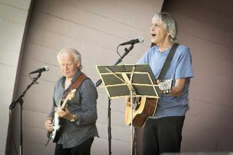 ROCKIN' ON: Richard Nicholson and Scotty Smith of the Kawekas keep the crowd entertained at Creative Napier's first 2013 Sunday series of free concerts. HBT130315-4