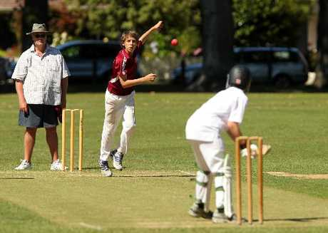 HEAT'S ON: Hamish Rybinski, from Taradale, bowls to Ben Hurst, of Wellington, at Cornwall Park, Hastings, yesterday.