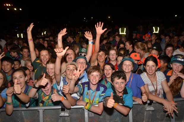 Scouts crowd the main stage for the Jessica Mauboy concert.