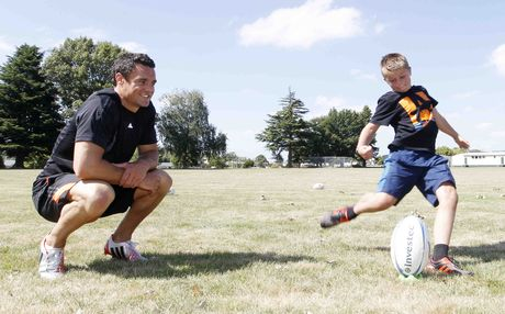 Dan Carter invited youngsters via Twitter to join him for kicking practice in Taupo. Pictured is Reporoa's Josh Cane having a go.
