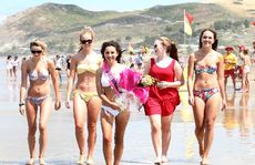 Miss Waimarama 2013, Zarae Davis, with her friends.  PHOTO/DUNCAN BROWN HBT130395-1