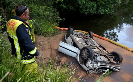 Car into the Tweed river past Murwillumbah Photo: John Gass / Daily