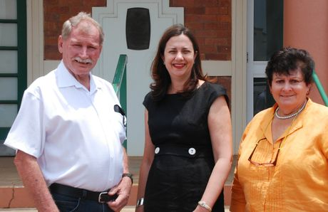 Queenland Oppostion Leader Annastacia Palaszczuk visits Charleville on her first day back at work for 2013.