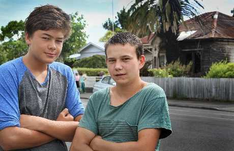 NOBLE NEIGHBOURS: Napier brothers Tyrone Dodd-Edwards, 14 (left) and Watene Dodd-Robertson, 17, roused neighbours and helped rescue an elderly woman from her burning home yesterday. PHOTO/WARREN BUCKLAND HBT130422-01